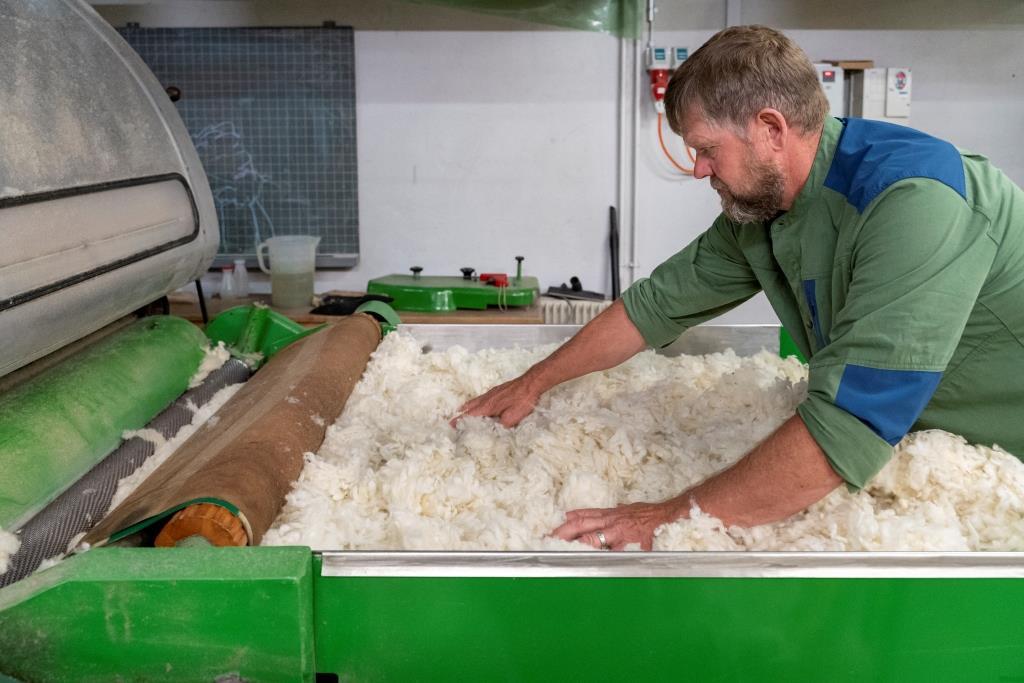 Swisswool_Wollreich_Heinz Wollverarbeitung_Kardiermaschine